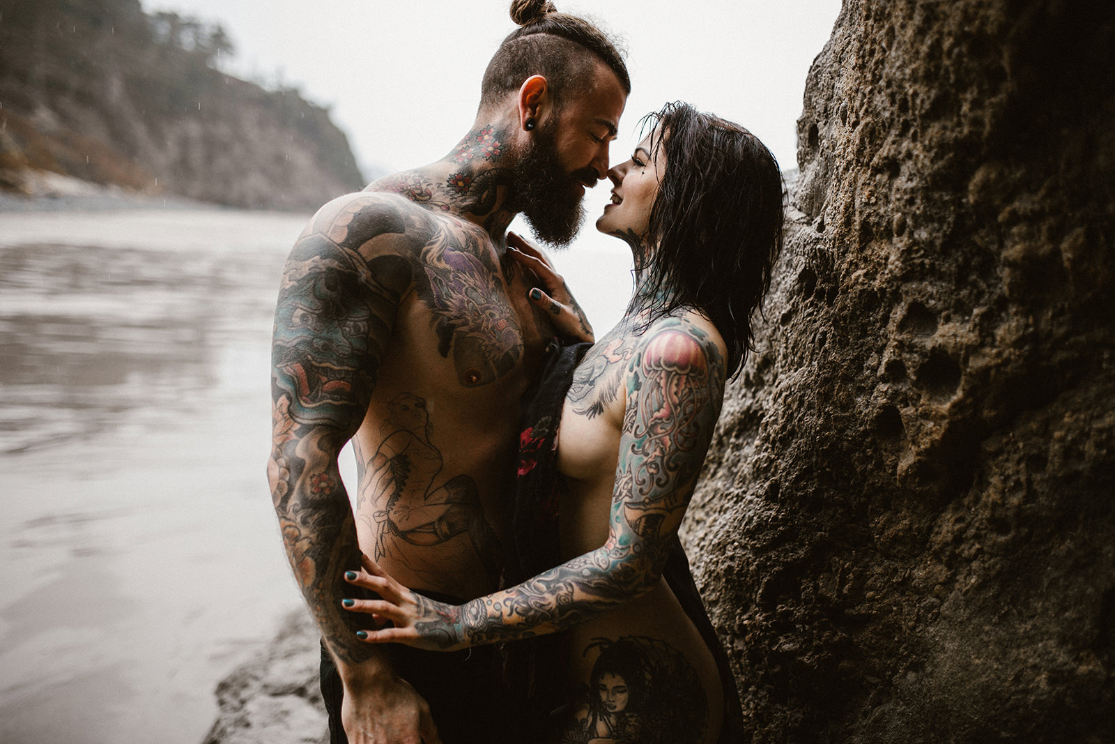 myrtle and moss photography, tattooed couple cannon beach, Heidi Lavon + James Ramsey, Portland Oregon